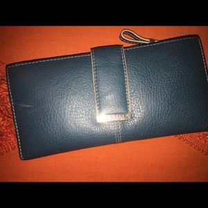 Kenneth Cole Reaction wallet in blue
